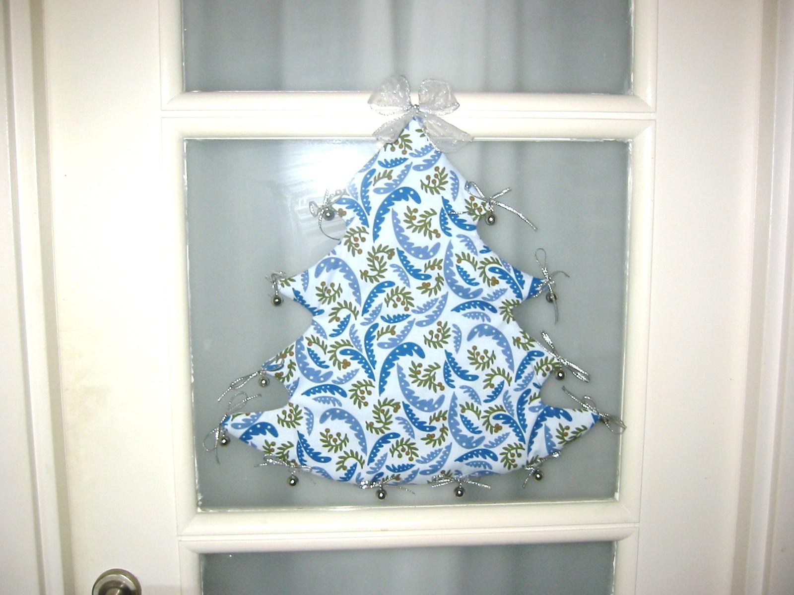 Adornos para puertas de maternidad imagui - Decoracion de navidad para puertas ...