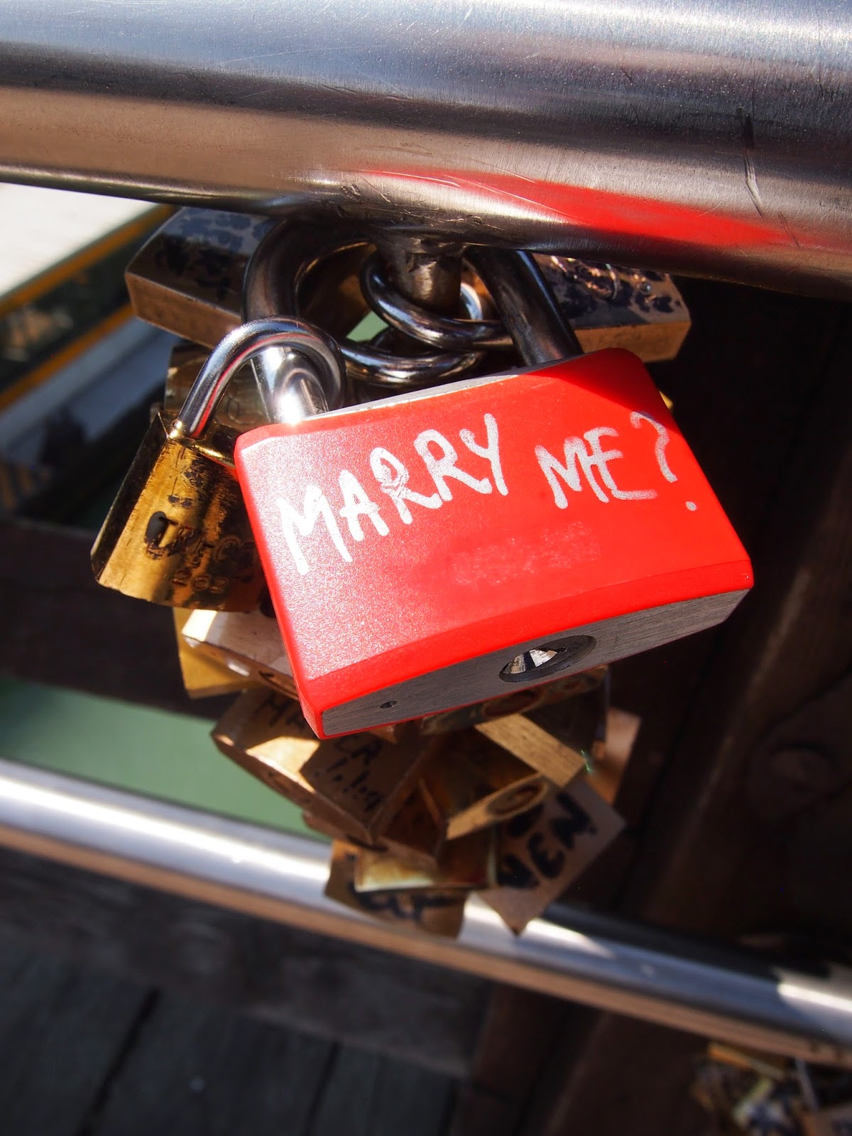 a marry me love lock