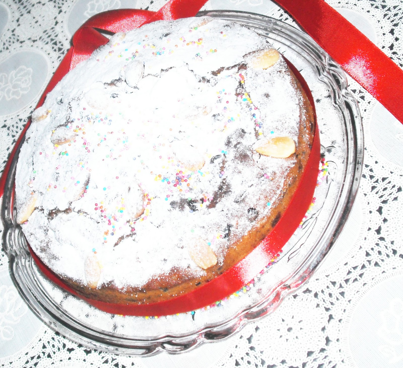 Christmas Wishes Cake Images : Merry Christmas Wishes with Cake, Red Wine & White Wine