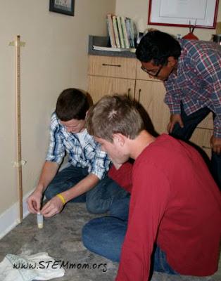 Students preparing Alka-seltzer rocket from STEMmom.org