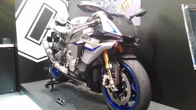 オーリンズブース YZF-R1M 東京モーターショー2015