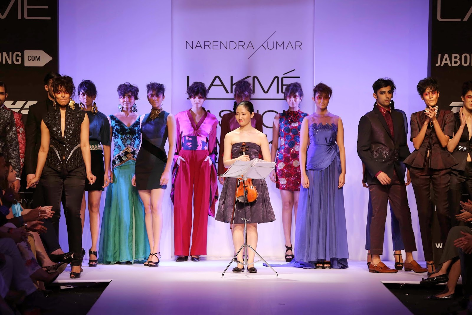 Opening the show with famed Japanese violinist, Mika Nishimura who has played for the Tel Aviv Symphony Orchestra under Zubin Mehta, the soulful music specially complied by her was the perfect accompaniment to the creations on the ramp.