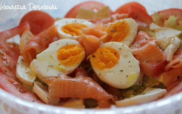 Salada+de+Salmão+Fumado+com+Mozzarela+e+Ovos+Cozidos
