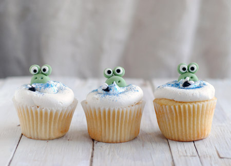 Leanne bakes: Frogs in a Bog Cupcakes