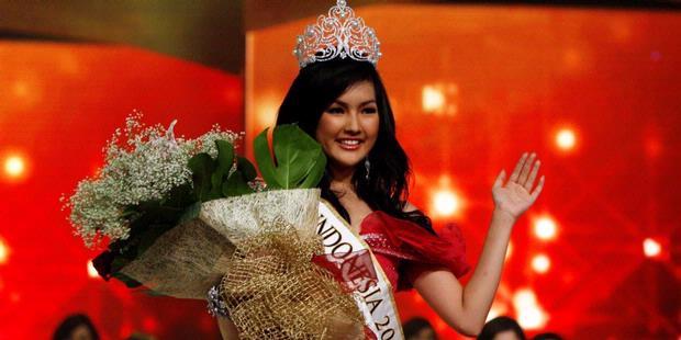 Astrid Ellena Raih 3 Gelar di Final Miss Indonesia 2011