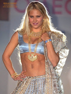Kournikova_in_Saree