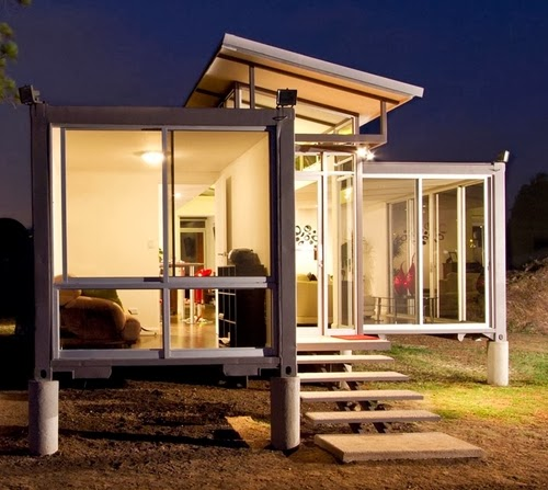 01-Front-View-Recycled-Container-House-Architect-Benjamin-Garcia-San-Jose-Costa-Rica-Solar-Panels-Recycled-Metal