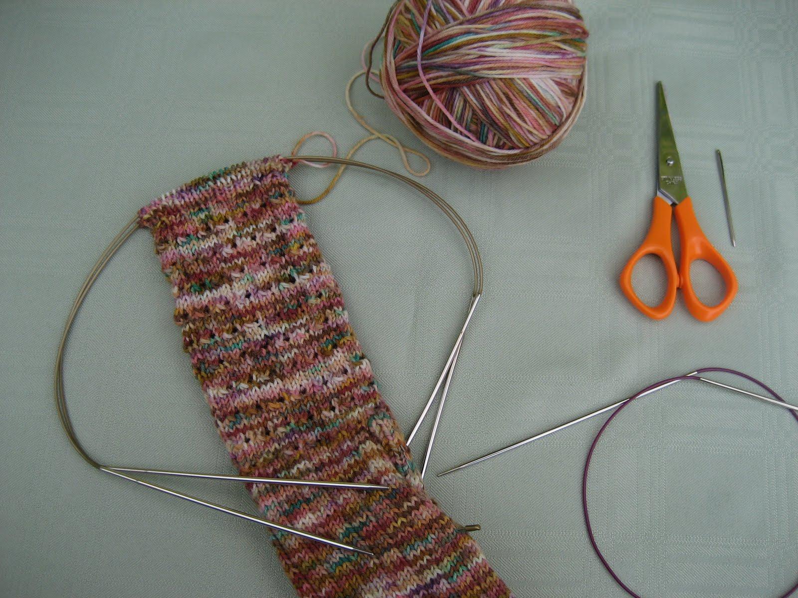 Kitchener Stitch With Knitting Needles : Carolyn Knits: Kitchener Stitch Bind-Off Tutorial
