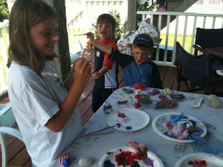 See what we did! Painted shells and rock crafts are patriotic for Fourth of July and Simple!