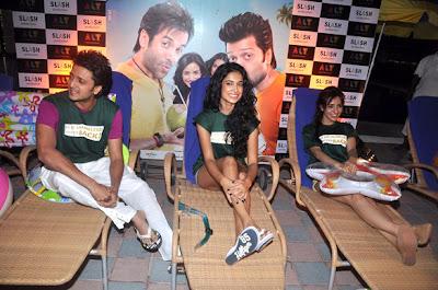 Riteish, Sarah and Neha at movie promotion