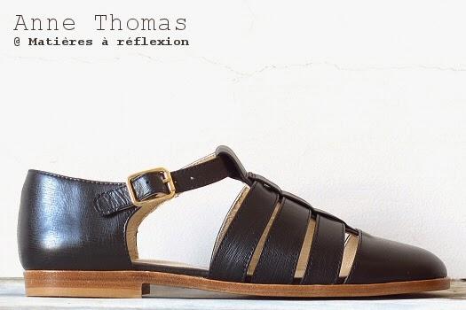 Sandales Anne Thomas chaussures cuir noir ouvertes méduses