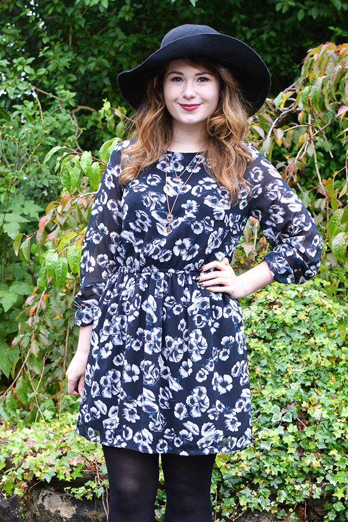 Scottish Fashion Blogger Primark Dress | Colours and Carousels - Scottish Lifestyle, Beauty and Fashion blog