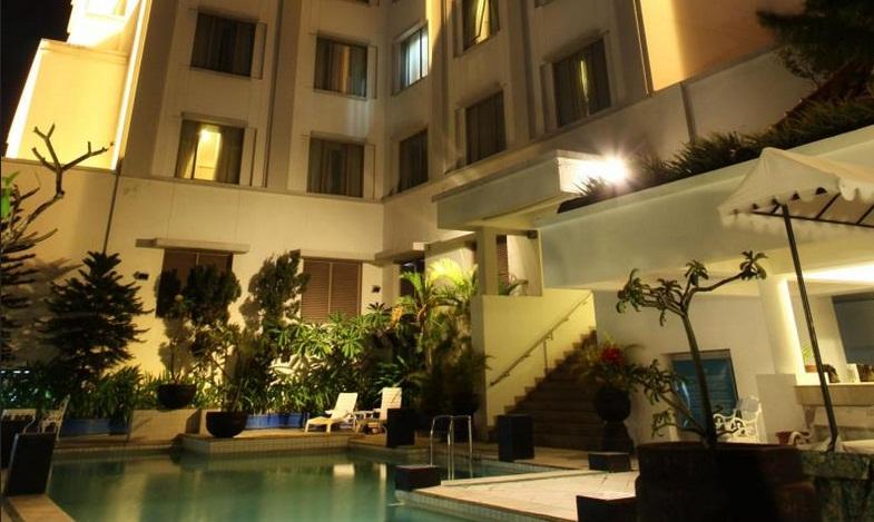 Hotel Sahid Jaya Solo Berjarak Sekitar 152 Km Dari Bandara Adi Sumarmo Ini Sendiri Letaknya Tidak Jauh Pasar Klewer Dan Gede