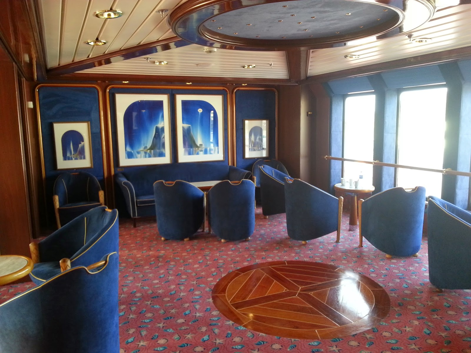 Hurtigruten MS Polarlys - Library