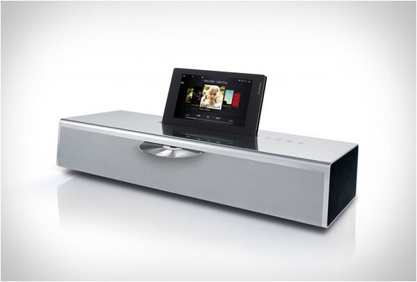 MultiTouch display iPhone Dock