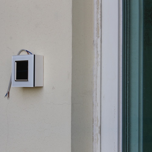 Home-Automation: Difference between Wall Mount Switch and RF Remote Control Switch