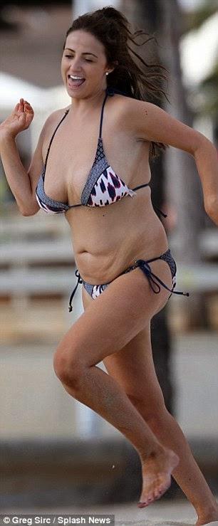 الموديل الانكليزية شانتيل هوتون تعترف بأنها تشعر بالحرج من زيادة الوزن في الآونة الأخيرة
