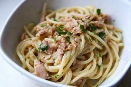 Ricette primi piatti semplici: pasta con tonno e burro