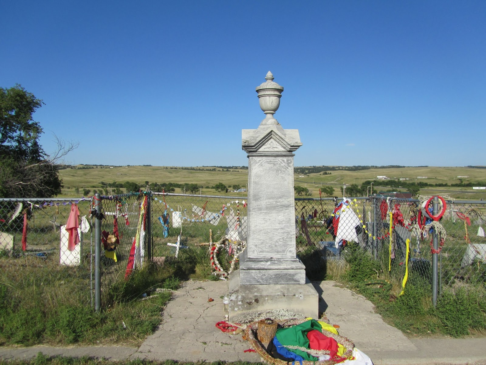 wounded knee massacre To many observers, the standoff resembled the wounded knee massacre of 1890 itself -- when a us cavalry detachment slaughtered a group of lakota warriors who refused to disarm some of the.