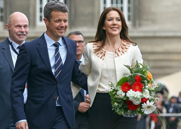 Crown Prince Frederik and Crown Princess Mary of Denmark arrives at the city hall of Hamburg, Germany,