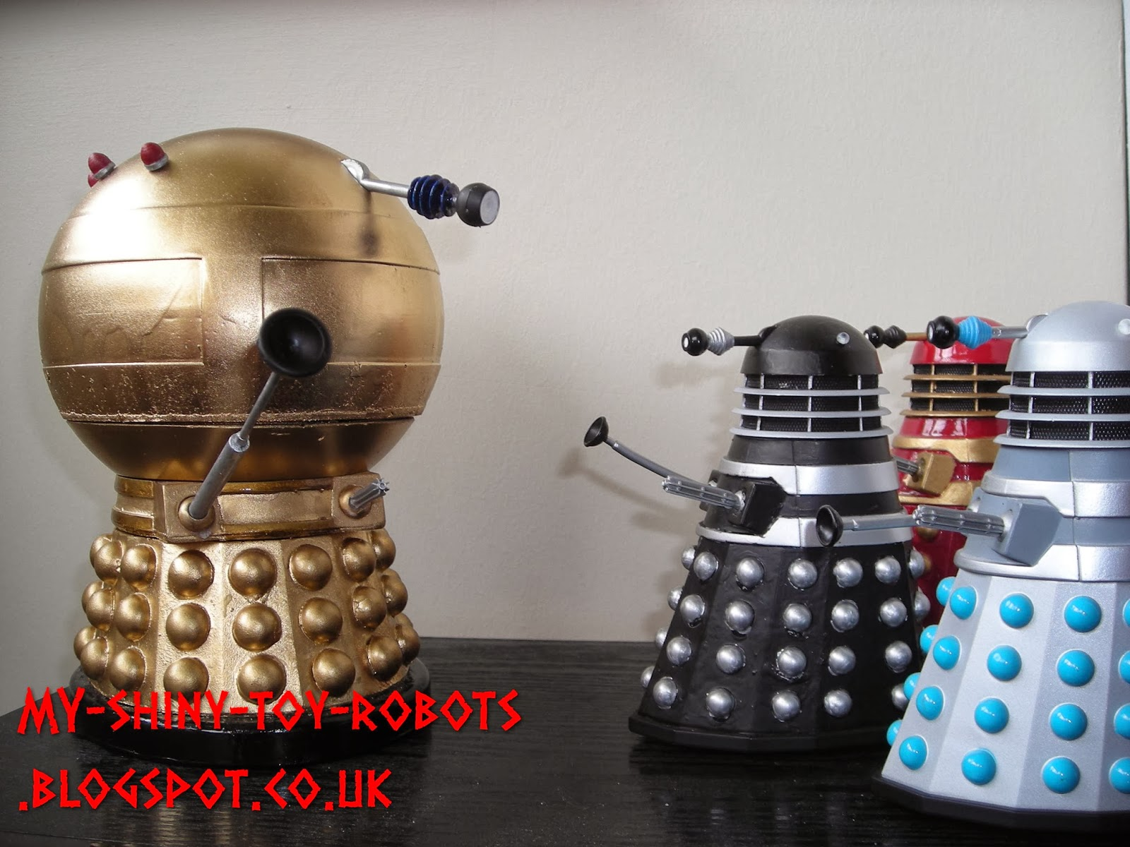 Commanding the Daleks
