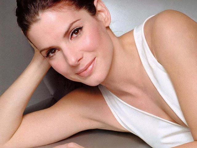 Sandra Bullock have a beautiful face