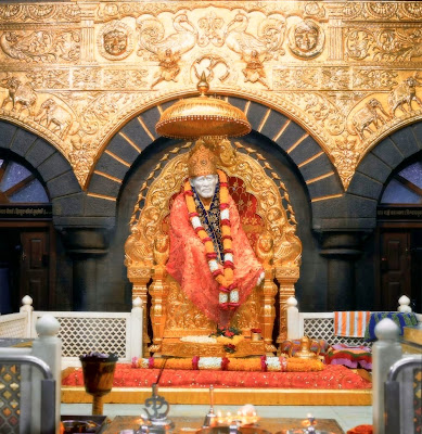 http://2.bp.blogspot.com/-NSUAEAdFLPs/TbBe7kfZ9WI/AAAAAAAAAV0/fIsEsQBFtQc/s1600/golden-throne-shirdi-sai-baba-posters-collection-free.jpg