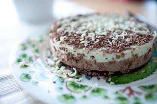 suklainen mousse kakku piparminttu valkosuklaa
