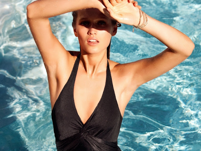 Toni Garrn sexy in black swimwear