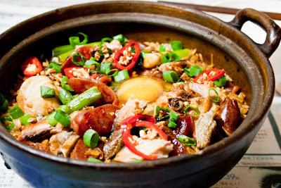 Wa Bao Fan 瓦煲飯 Claypot Rice With Chicken, Chinese Sausage And ...