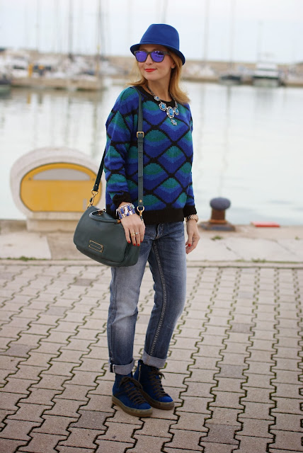 Ruco Line sneakers, New Hammer Elettrico, Chicwish sweater, Fashion and Cookies, fashion blogger