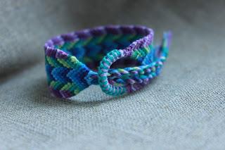 плетеночки, плетеные браслеты, фенечки, узоры для фенечек, красивые браслеты, узорные плетеночки, настроение своими руками