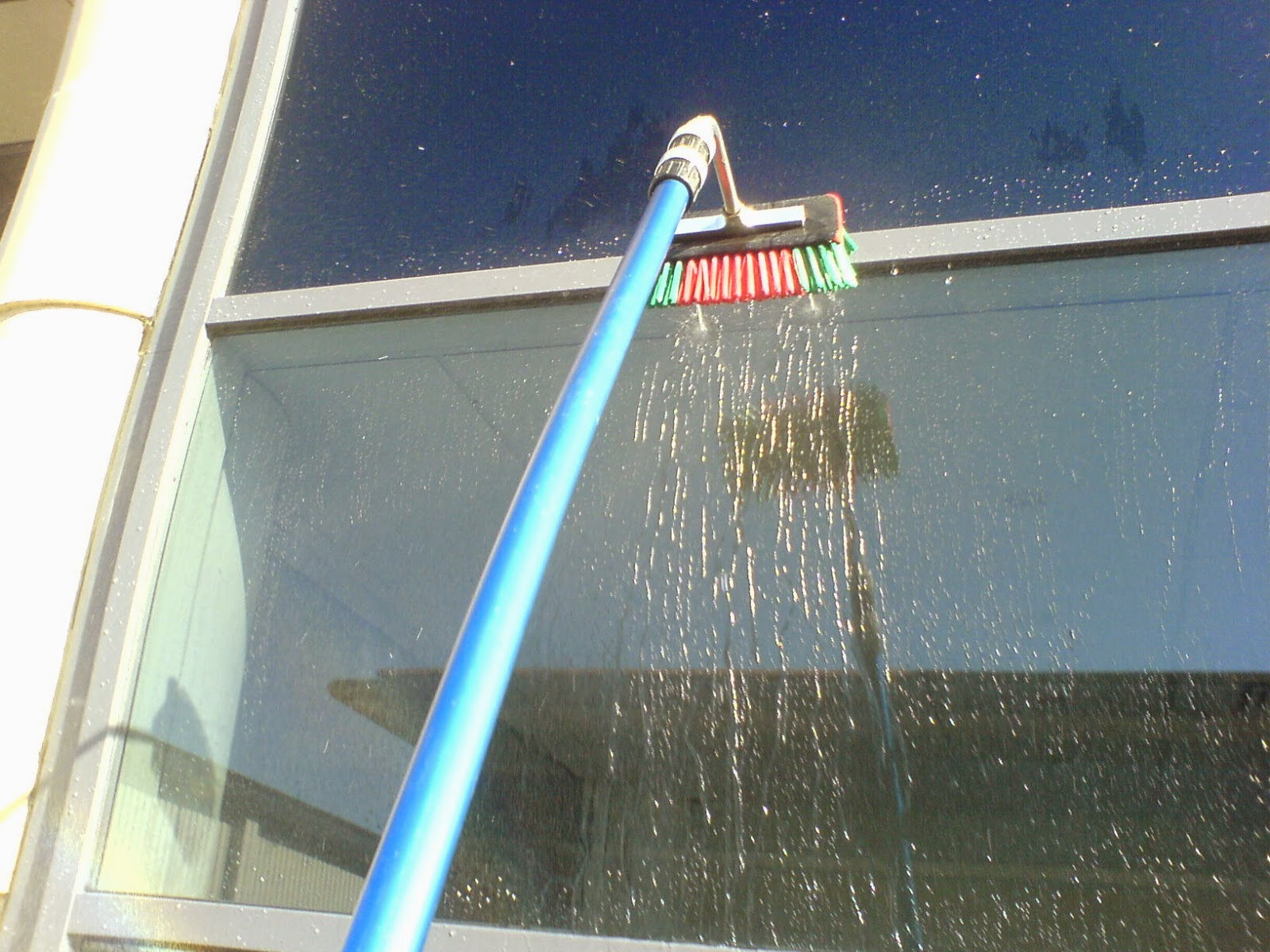 Window cleaning service gutter cleaners harrow brent for Window washing