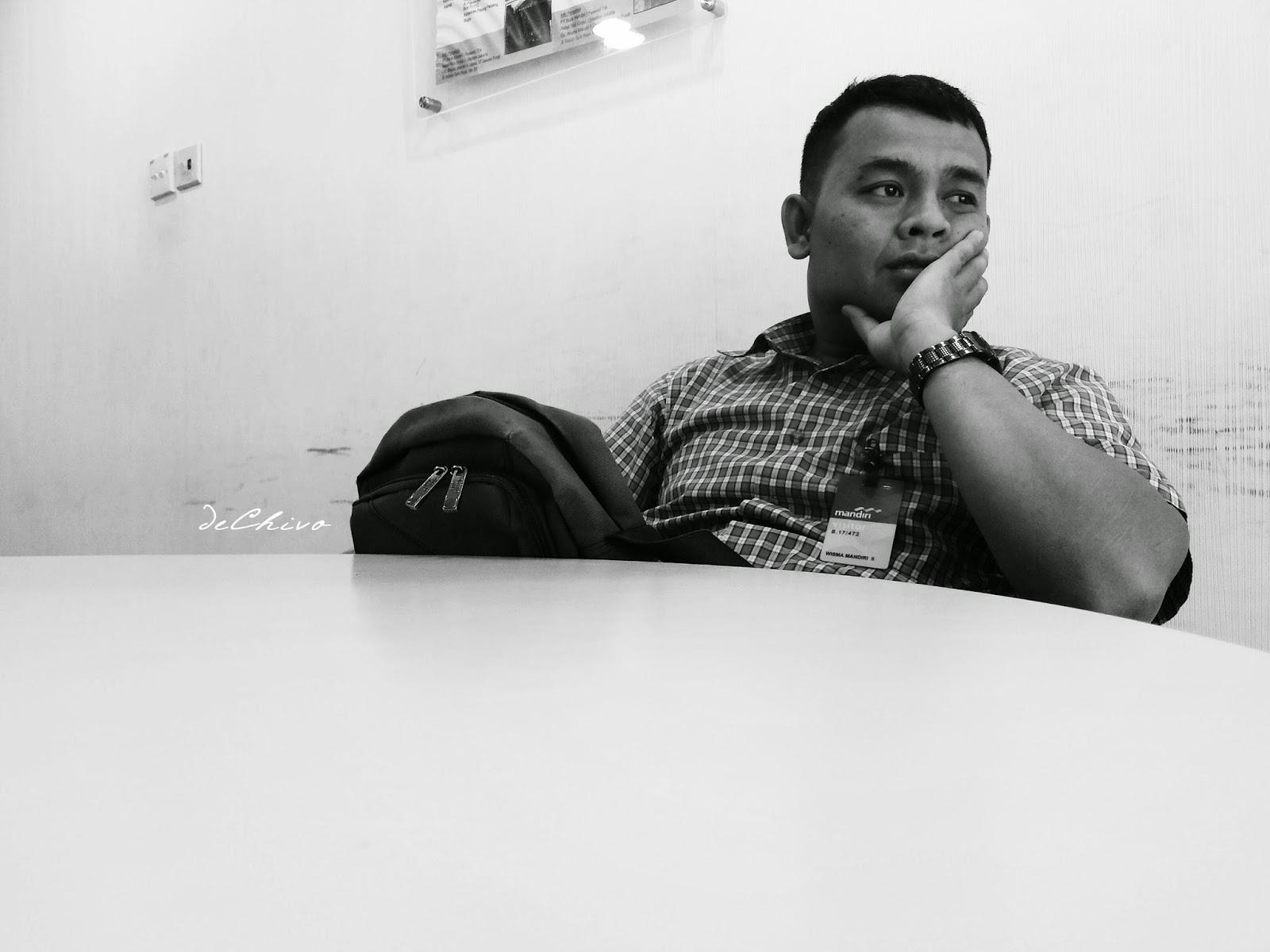 Bengong_Menunggu_Meeting_Mandiri