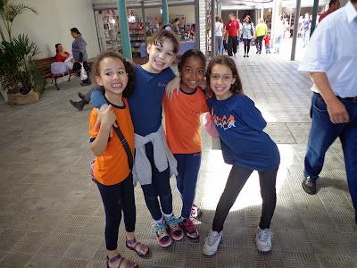 Escola ESFA visita a feira do livro em Pelotas