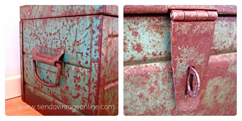 Cajas militares antiguas para decoración