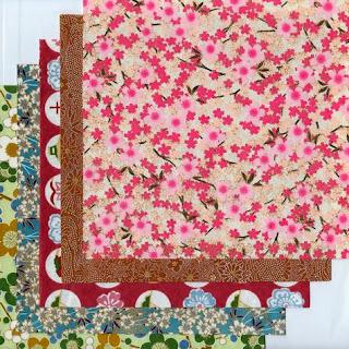 http://www.monuniverspapier.fr/kit-papier-/542-kit-9-papier-japonais-pour-origami.html