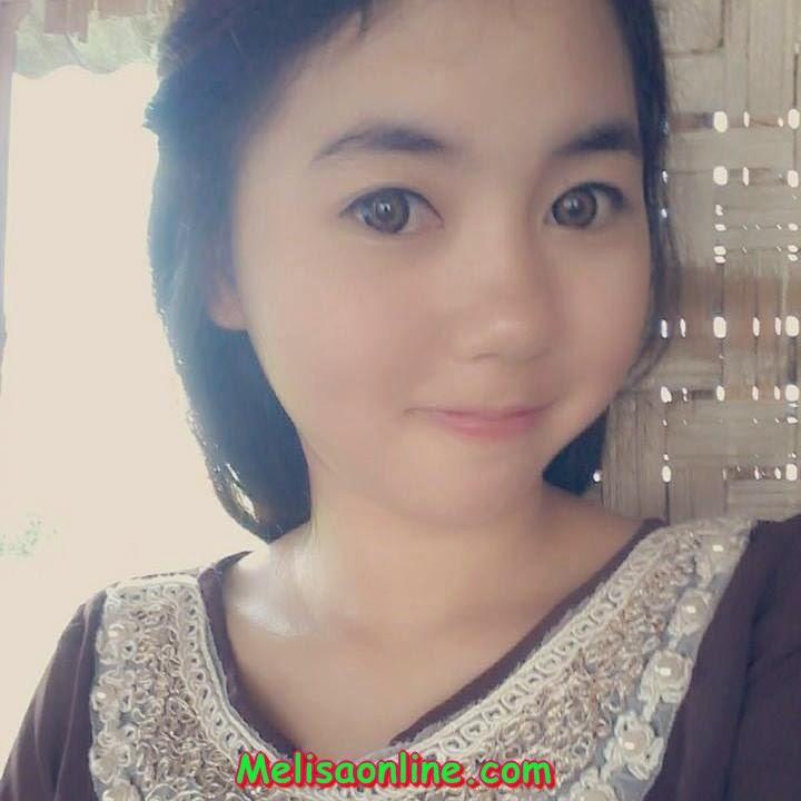 Siswi SMA Berjilbab Cantik Umbar Foto Ciuman di Facebook ...