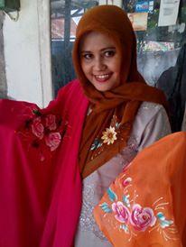Jilbab Lukis Rumah Hafiza