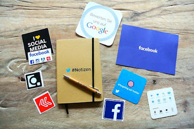 Sosial media dan hashtag