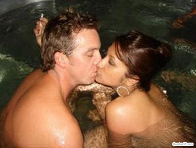 de stroom: foto hot skandal ciuman artis indonesia yang