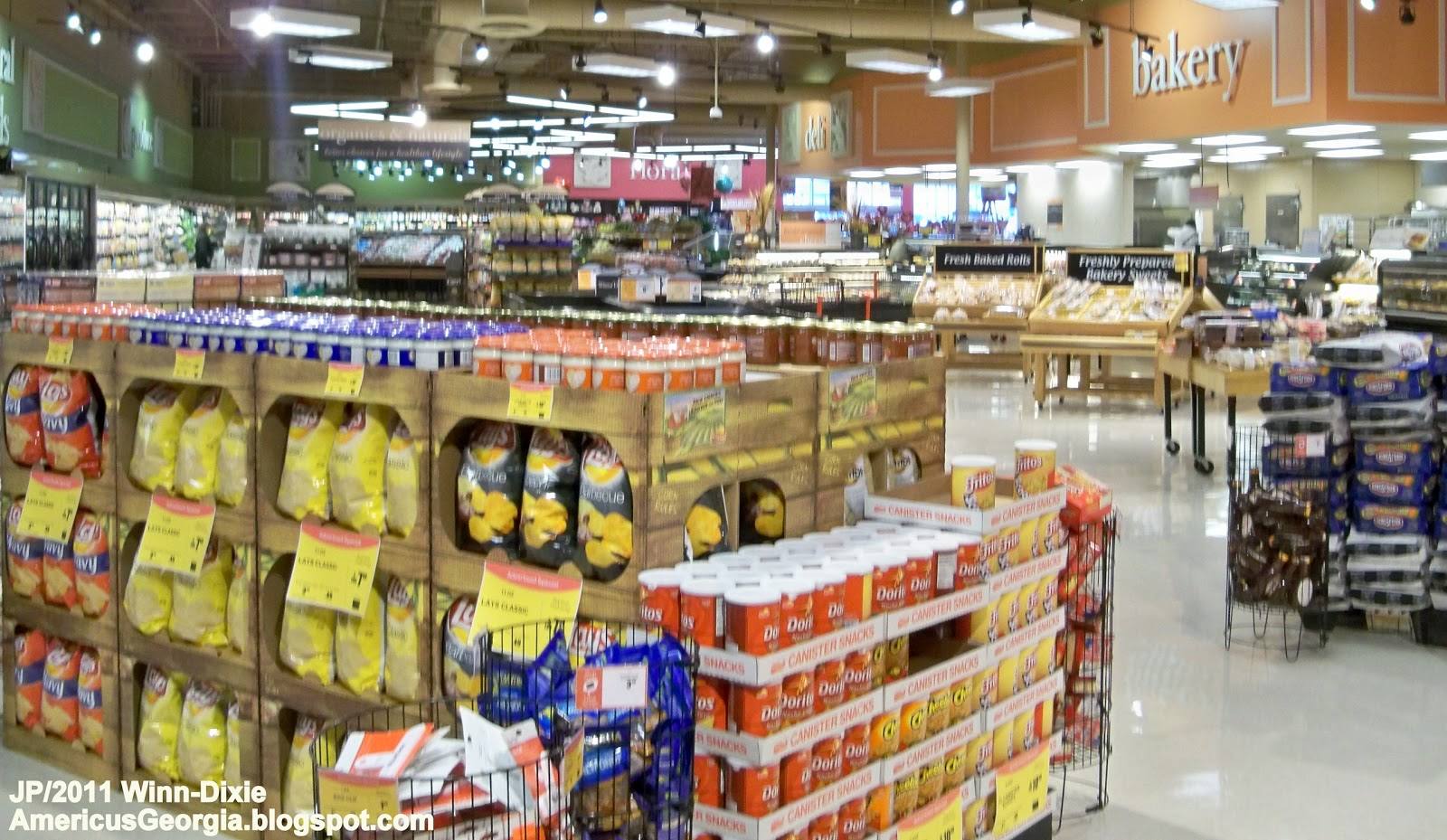 Winn-Dixie Grocery Store Inside