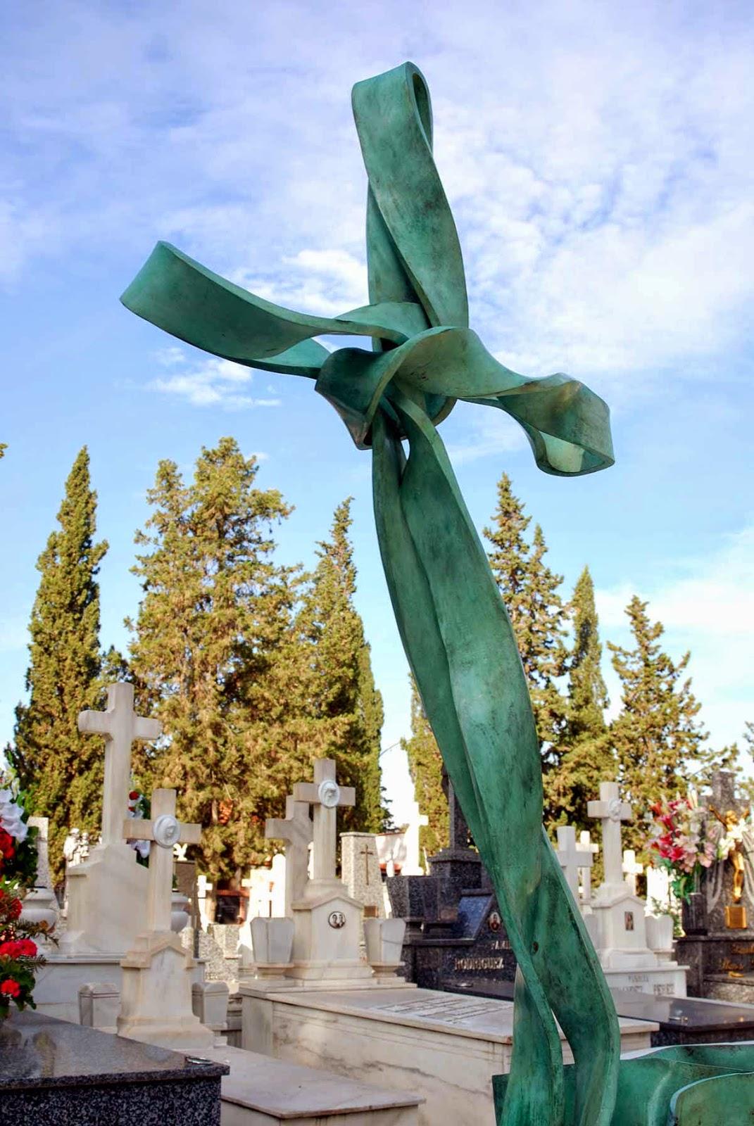 Monumento bronce cementerio Murcia Arturo Serra escultura 1