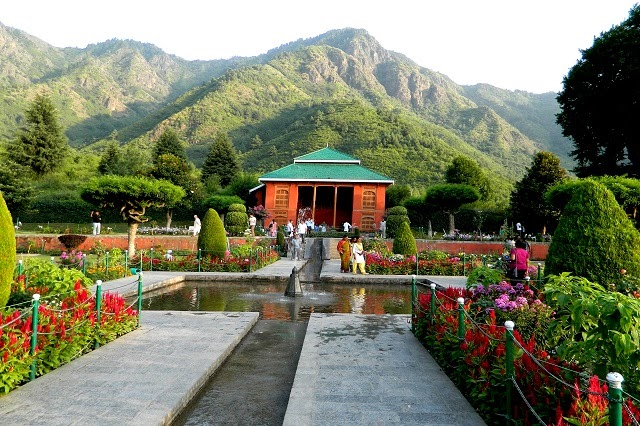 Chashme Shahi -One of the most popular Mughal Gardens in Jammu and Kashmir