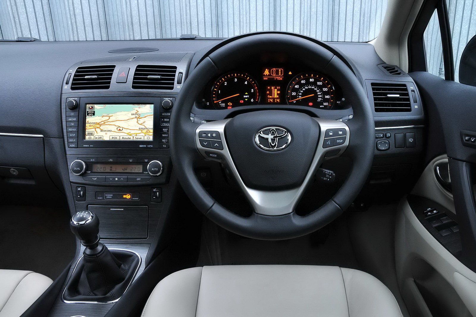new gallery cars toyota avensis interior