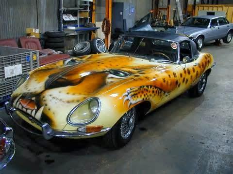 Cat bodi mobil membutuhkan bahan cat spesial serta anda bisa membelinya di toko spesial cat mobil. Cat untuk mobil umumnya dimaksud cat duco dengan type NC DAN PU.