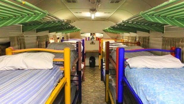 Ruangan di dalam gerbong kereta