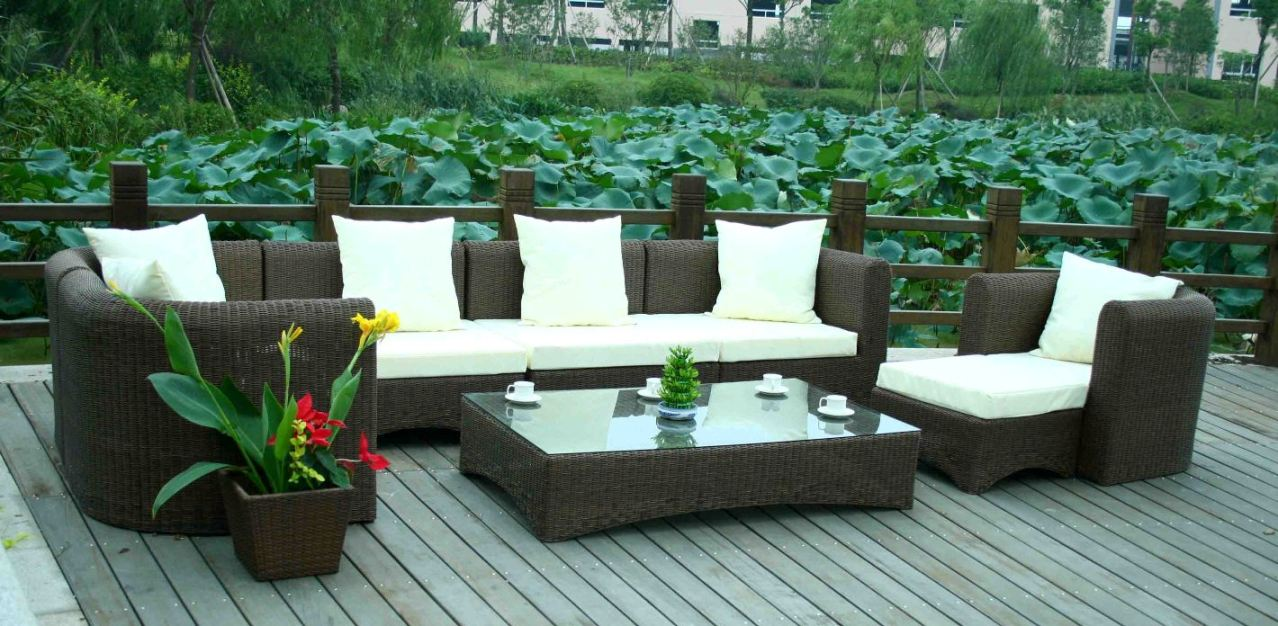 Backyard Patio Furniture :  patio furniture versus outdoor furniture from high finishmanufacturers