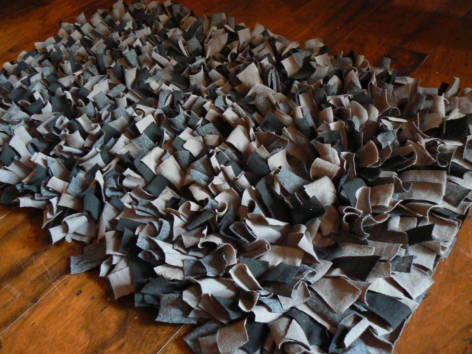 the creative homemaker t shirt rug. Black Bedroom Furniture Sets. Home Design Ideas