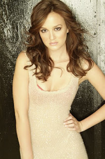 Meester in Lovely Soft Cream Tight Tank,Model,Leighton Meester
